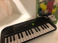 F63-Keyboard-Casio-met-boek-en-tas